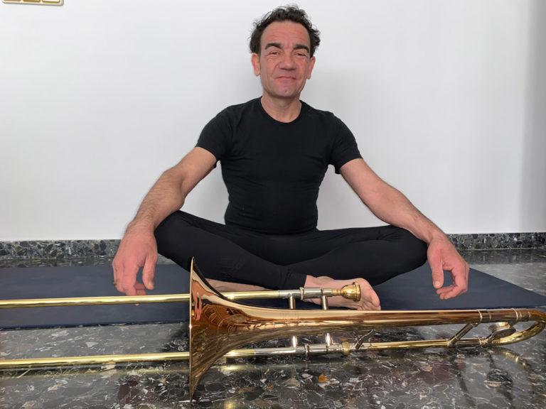 iamgen yoga para musicos