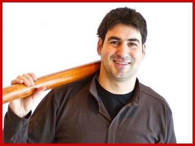 Ibán Nikolai Profesor didgeridoo